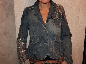 Продается праздничный джинсовый пиджак Oodji