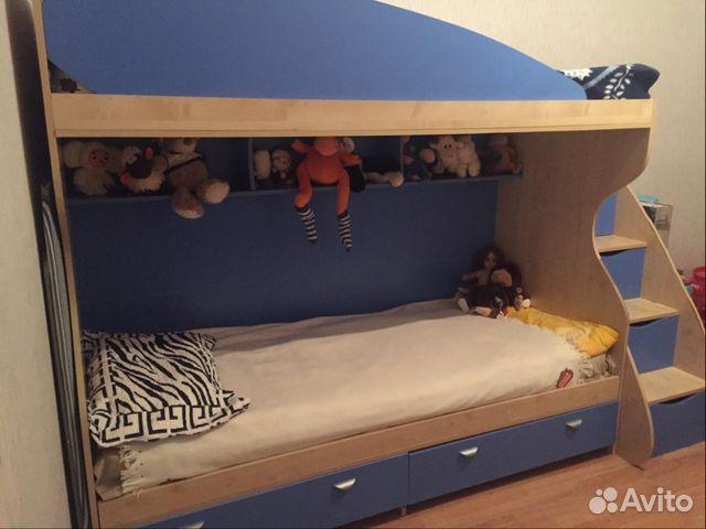 Детскую двухъярусную кровать