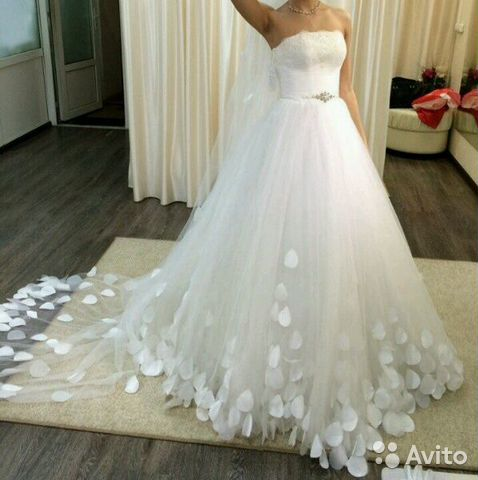 Продать свадебное платье на авито