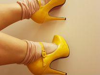 Туфли ярко желтого цвета