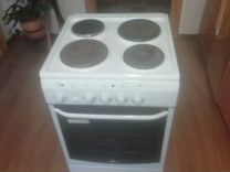 Плита Электролюкс с четырьмя комфорками и духовкой