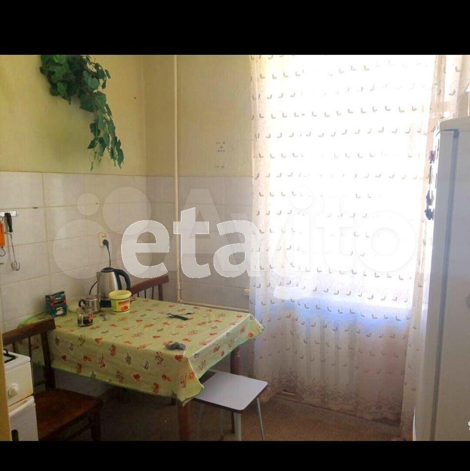 3-room apartment, 70 m2, 3/4 floor.