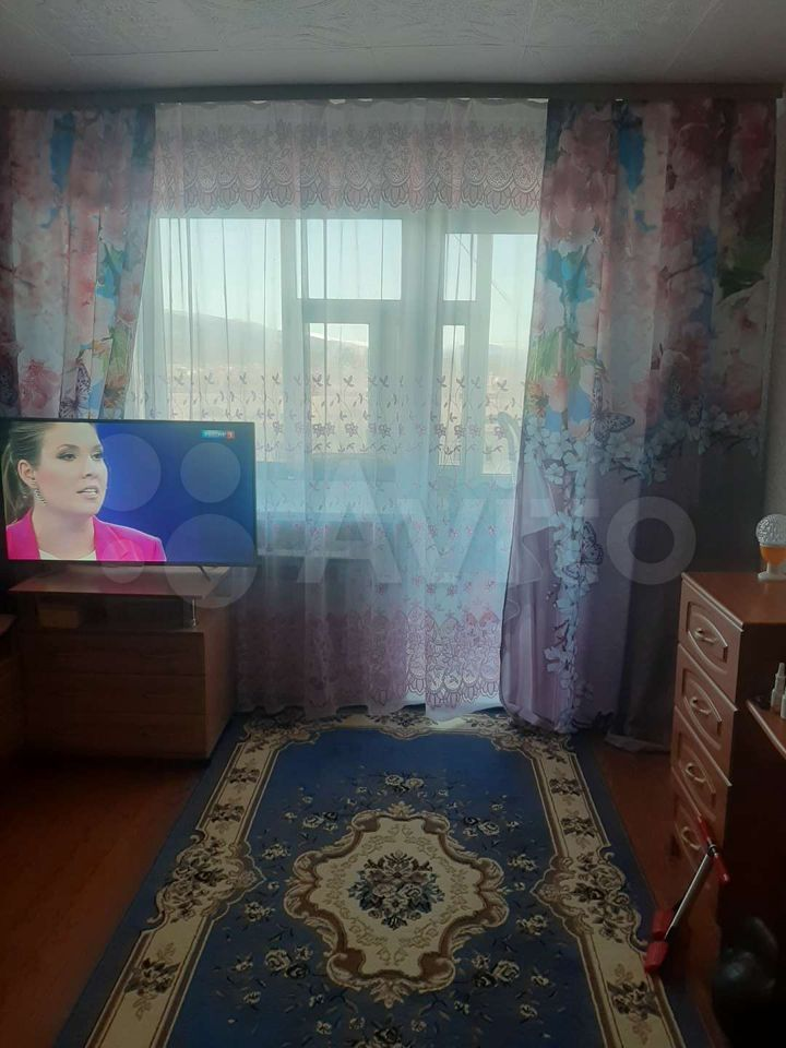 1-room apartment, 32 m2, 4/5 floor.  89642394476 buy 1